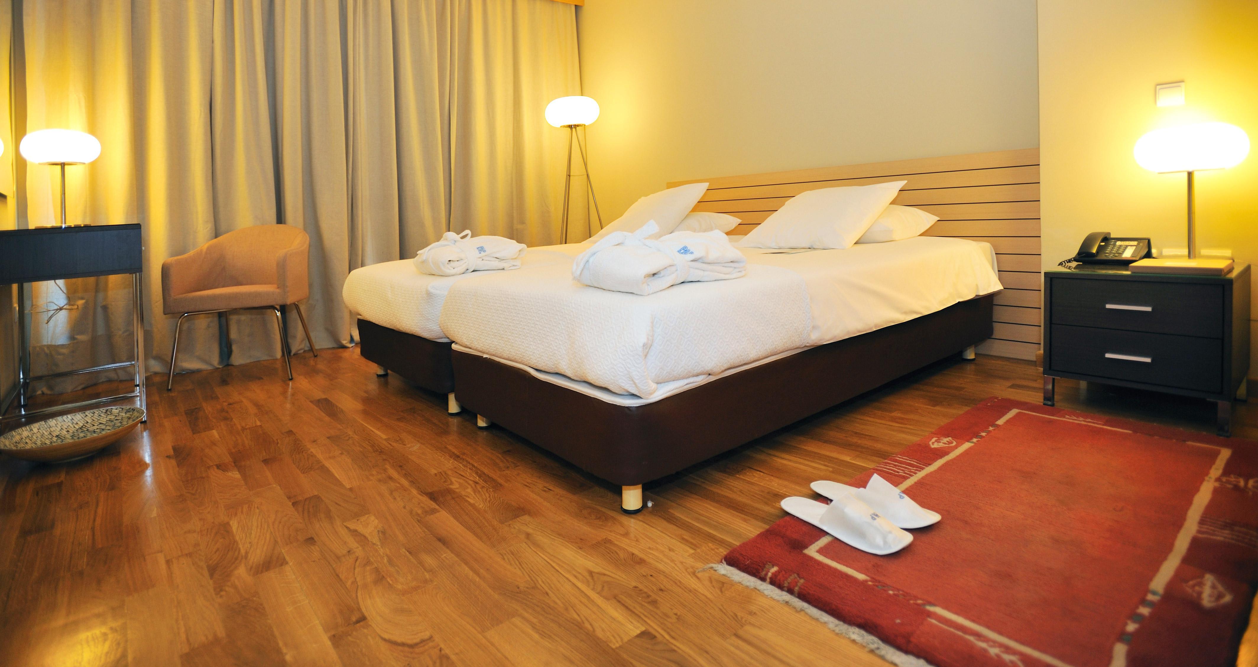 Astoria-Junior-Suite-Bedroom